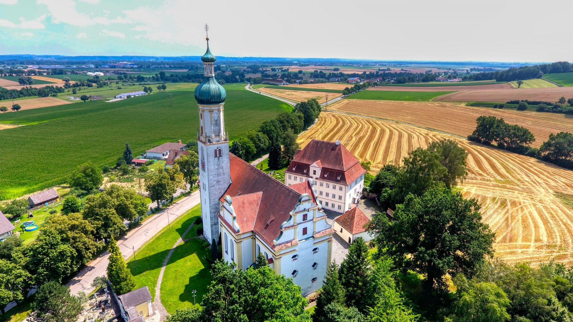 Luftbild Kirche Biberbach Foto: Sascha Oberman