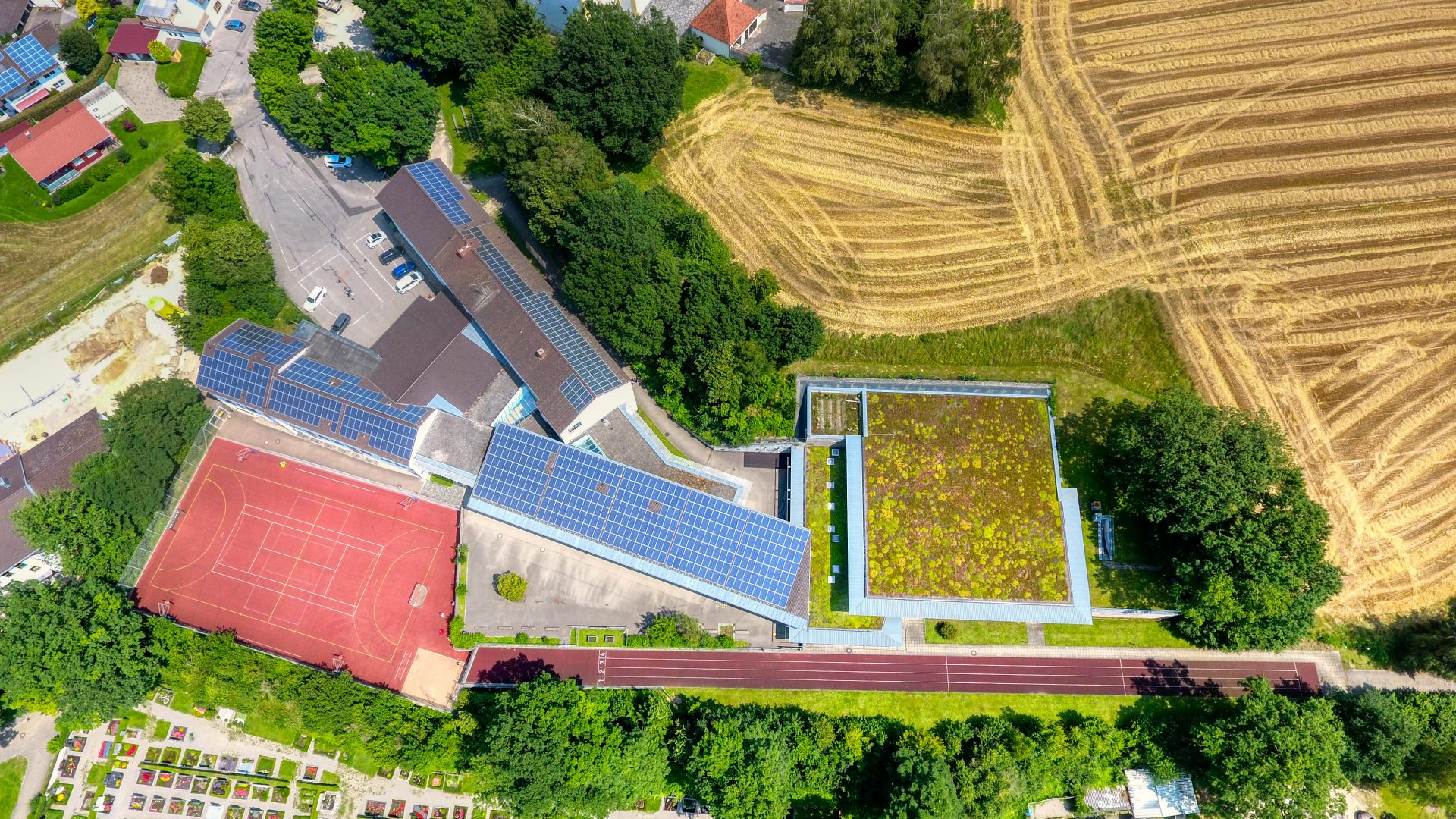Luftbild Schule Biberbach Foto: Sascha Oberman